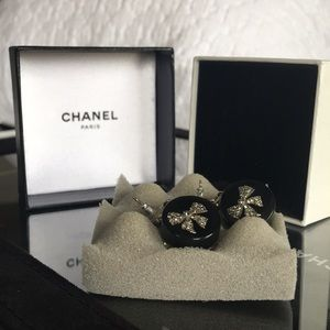 Chanel Earrings Z2557 Black